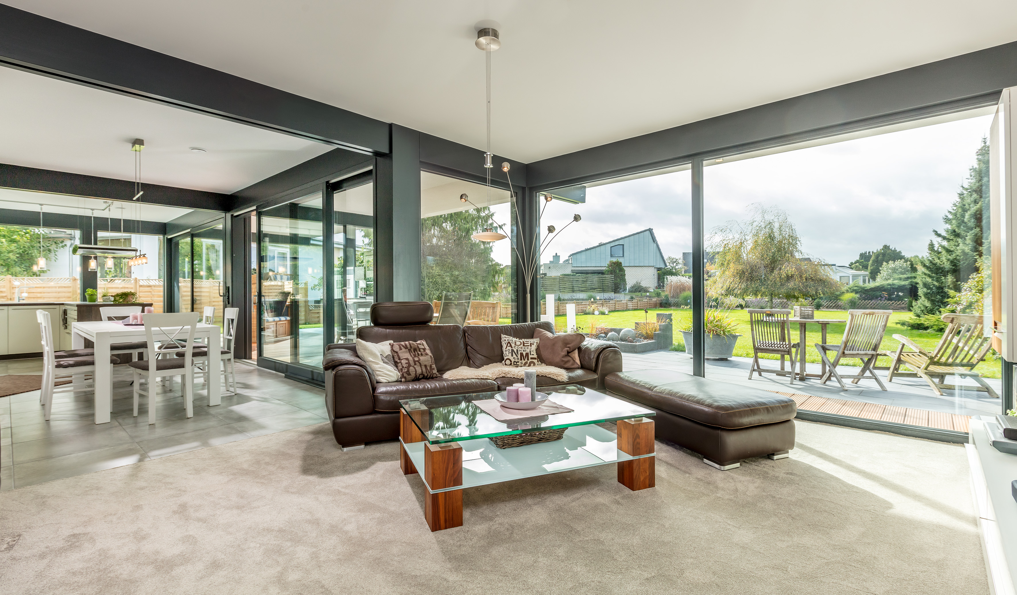 Meisterst ck haus homestory bungalow fusion for Raumgestaltung 360